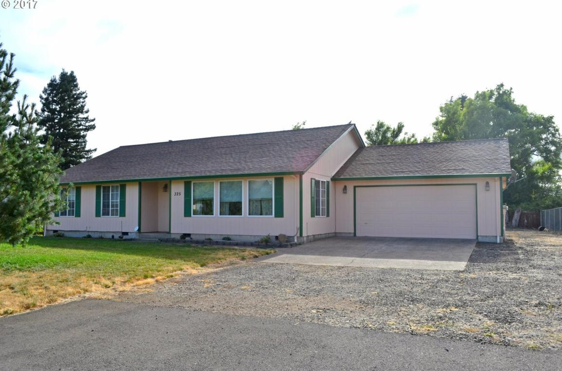 325 S 12th St, Lebanon, OR 97355