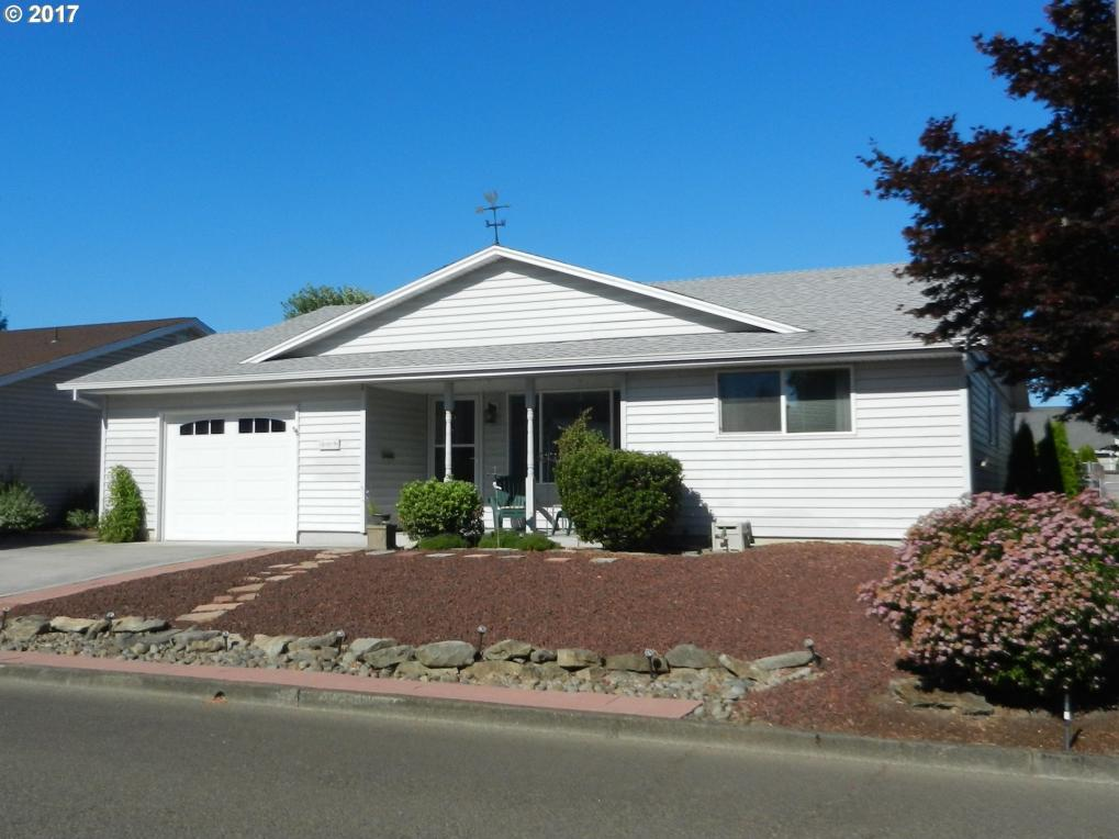 509 S Columbia Dr, Woodburn, OR 97071
