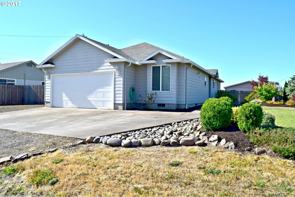 1265 W 4th St, Halsey, OR 97348