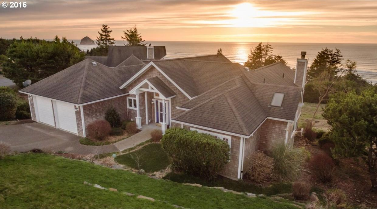 29980 Nantucket Dr, Pacific City, OR 97135