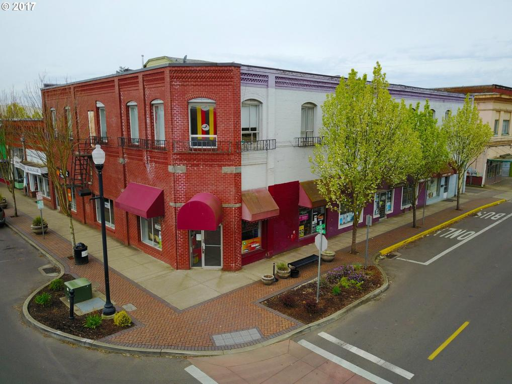 479 N Front St, Woodburn, OR 97071