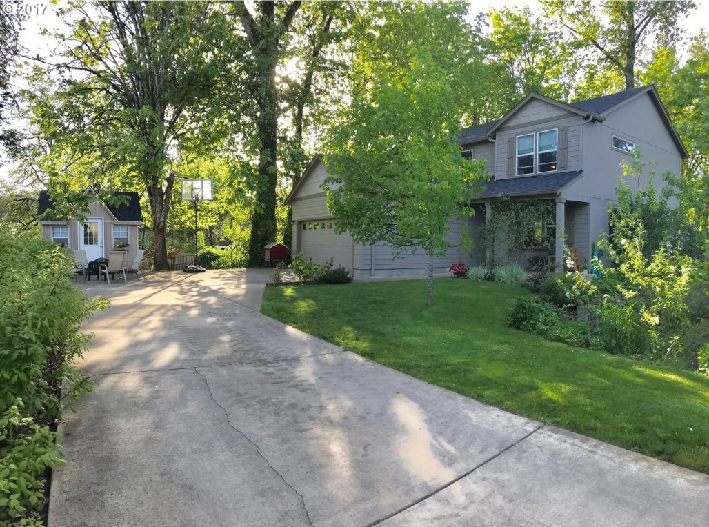 1081 S 1st St, Cottage Grove, OR 97424