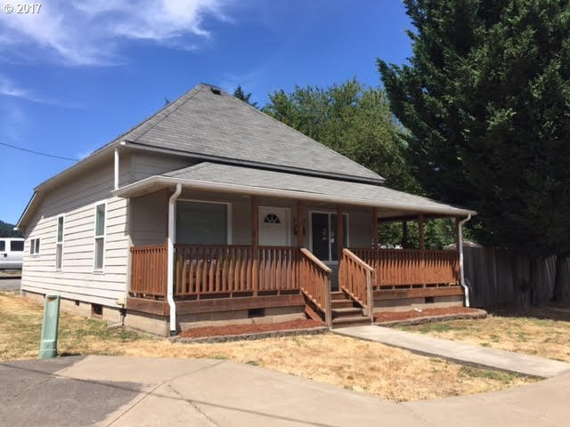 92227 Queen St, Marcola, OR 97454