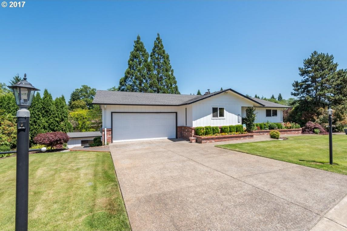 2740 NE Elaine Dr, Mcminnville, OR 97128