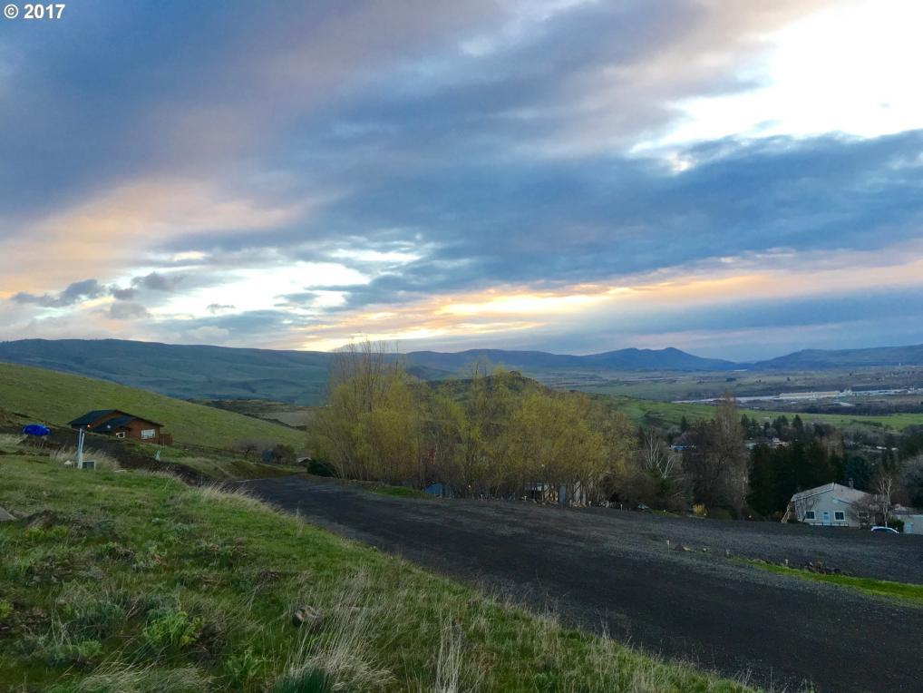 Northwest Dr, The Dalles, OR 97058