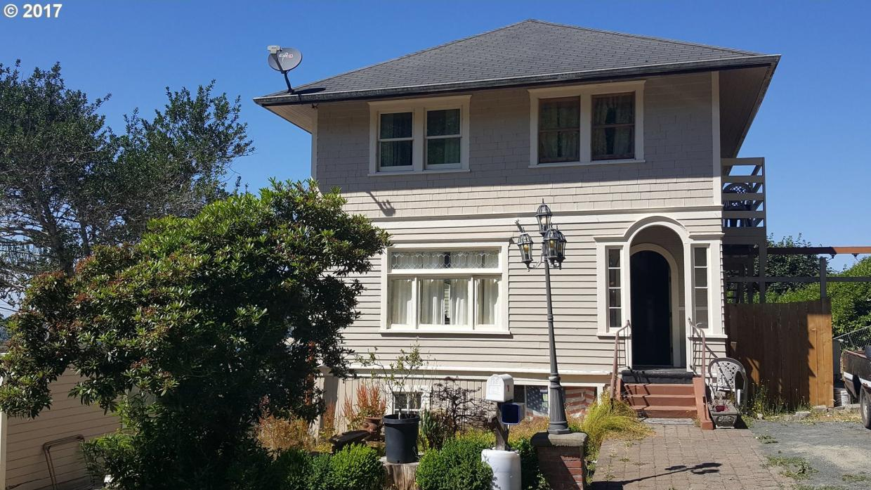 96 W Commercial St, Astoria, OR 97103