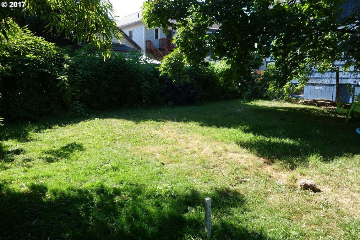 2123 SE 12th - Behind House Ave, Portland, OR 97214