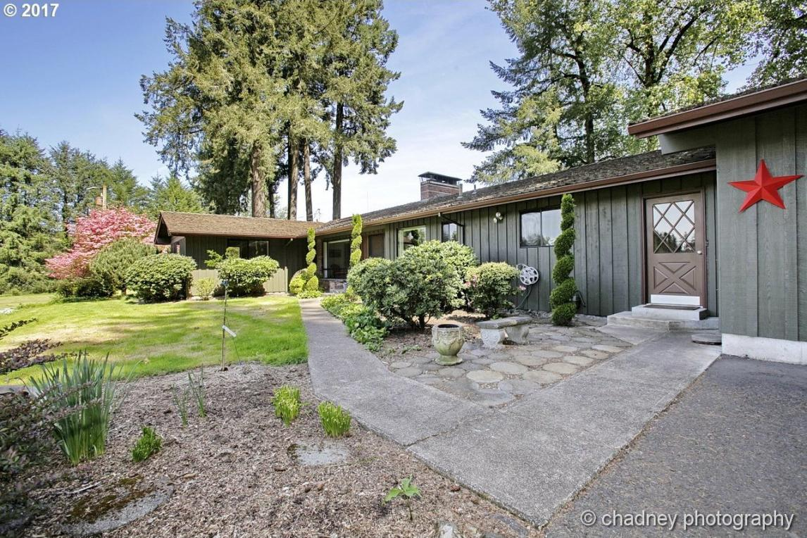 31190 SW Isle Way Ln, West Linn, OR 97068