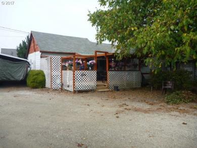 465 S Comstock Rd, Sutherlin, OR 97479