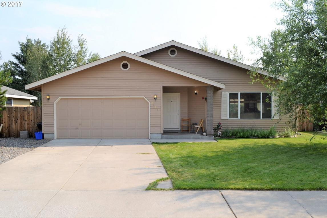 2421 NE Mountain Willow Dr, Bend, OR 97701