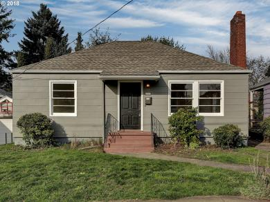 2317 SE Tibbetts St, Portland, OR 97202