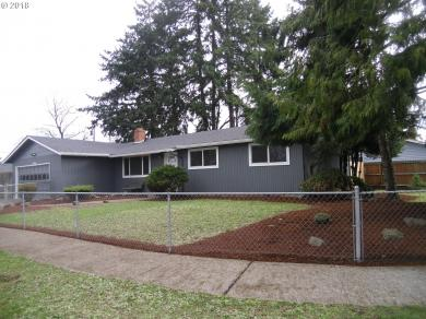 461 S 39th Pl, Springfield, OR 97478