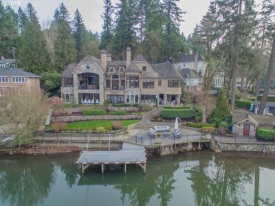 Photo of 16835 Greenbrier Rd, Lake Oswego, OR 97034