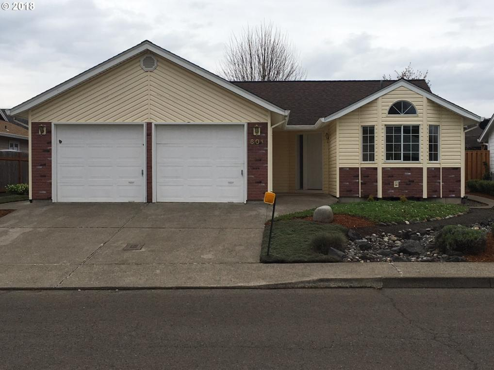 601 SE 6th Pl, Canby, OR 97013