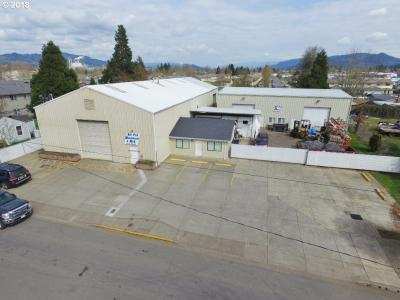 Photo of 195 39th St, Springfield, OR 97478