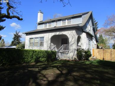 647 6th St, Springfield, OR 97477