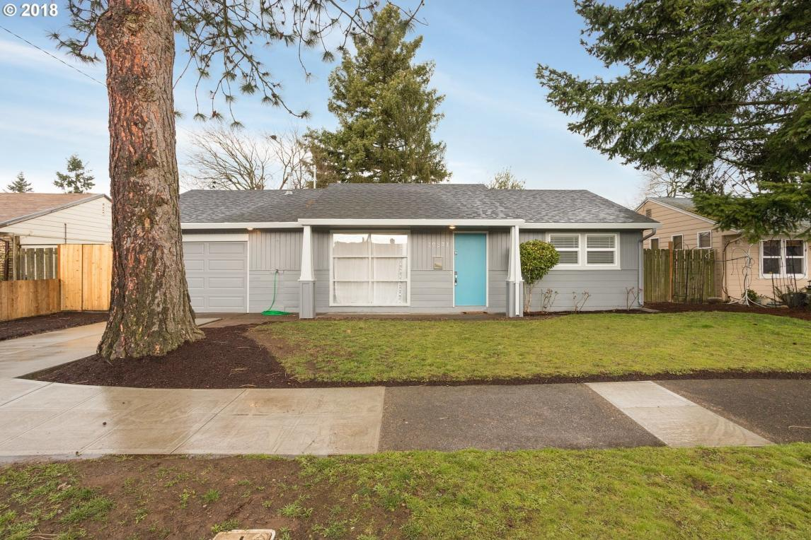 10821 NE Thompson St, Portland, OR 97220