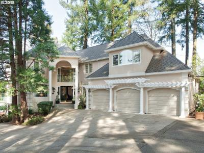 Photo of 16865 Greenbrier Rd, Lake Oswego, OR 97034