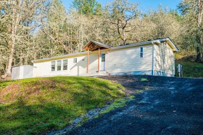 Photo of 25045 Gap Rd, Brownsville, OR 97327
