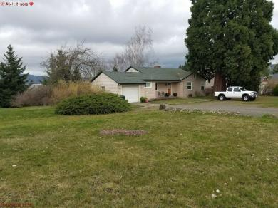 3200 Clemmons Dr, Hood River, OR 97031