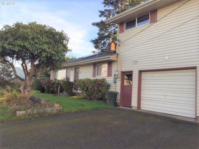 Photo of 288 D St, Coos Bay, OR 97420