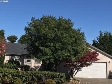 3952 Spruce St, Florence, OR 97439