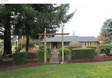 92242 River Rd, Junction City, OR 97448