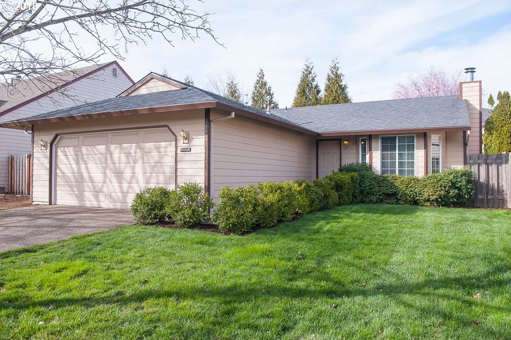 21090 NW Cannes Dr, Portland, OR 97229