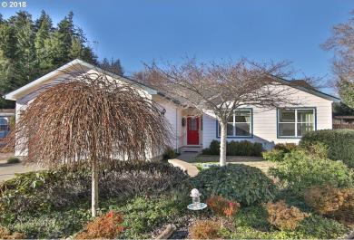 2114 Lynne Dr, North Bend, OR 97459
