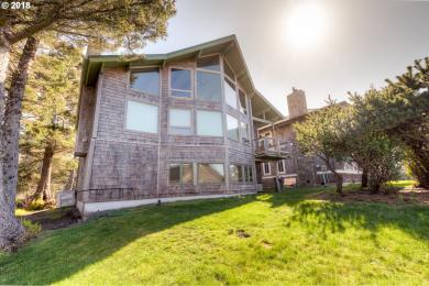 1688 Hemlock St, Cannon Beach, OR 97110