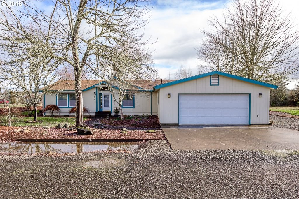 305 S 9th St, Monroe, OR 97456