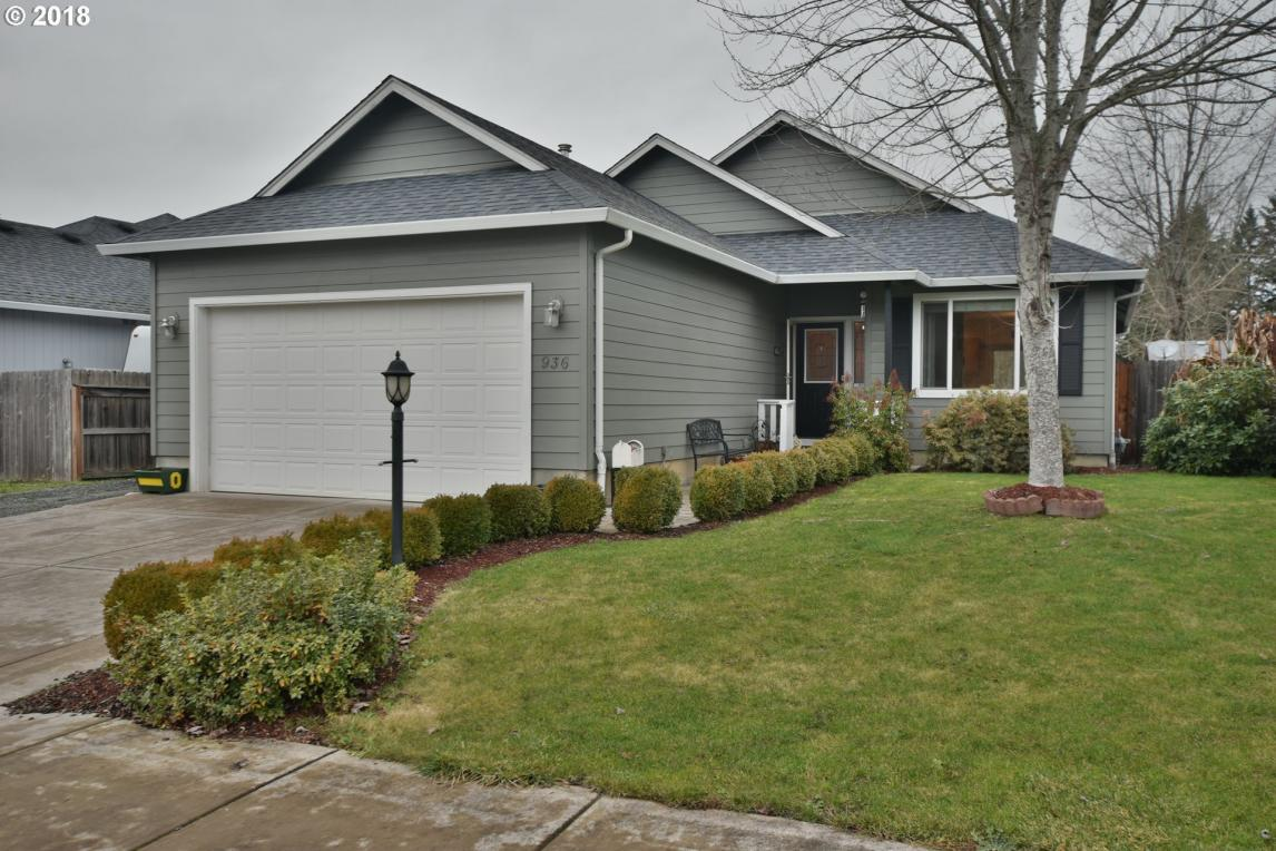 936 Odom Ln, Creswell, OR 97426