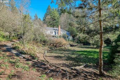 4444 W-sw Fairhaven Dr, Portland, OR 97201