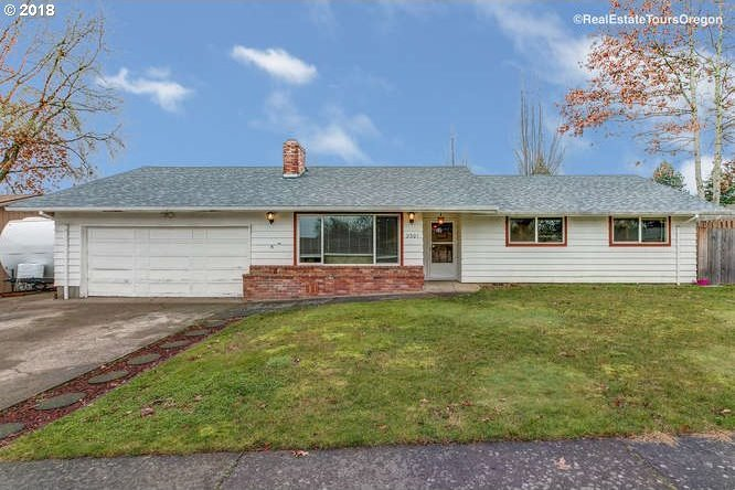 2301 Willow Dr, Newberg, OR 97132