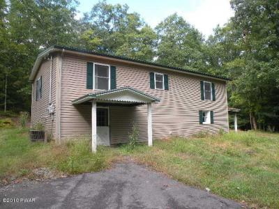 Photo of 779 Tinkwig Dr, Hawley, PA 18428