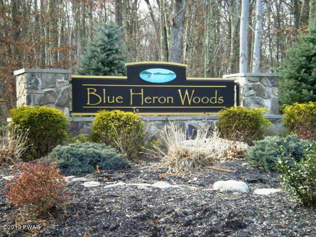 140 Wedgewood Dr, Hawley, PA 18428