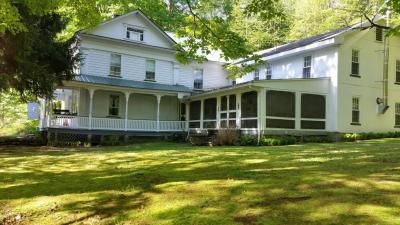 Photo of 206 Dillontown Rd, Equinunk, PA 18417