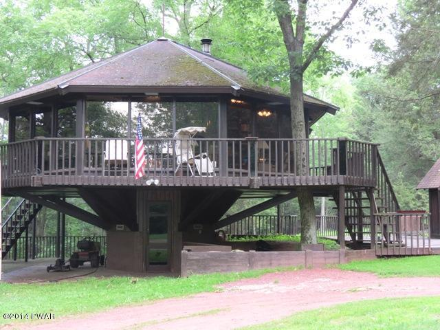 242 Steep Hill Rd, Beach Lake, PA 18405