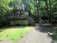 122 Liberty Ln, Lackawaxen, PA 18435