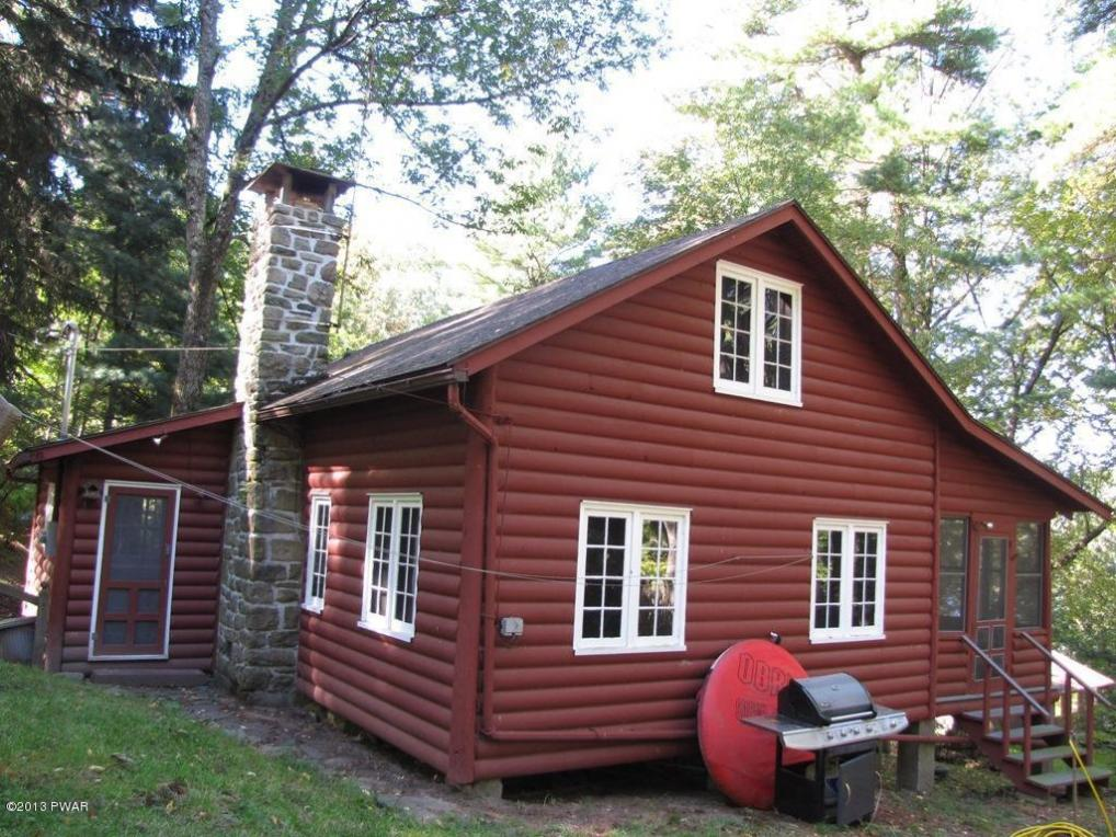 18 Upper Unger Rd, Paupack, PA 18451