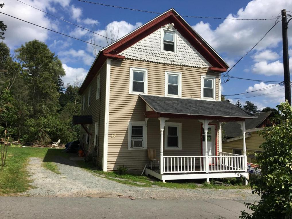 17 Smith Ln, Honesdale, PA 18431