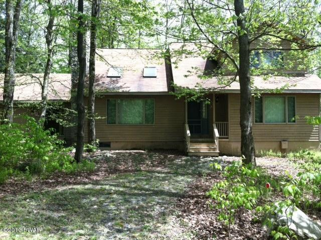 32 Lakeview Timbers Dr, Gouldsboro, PA 18424