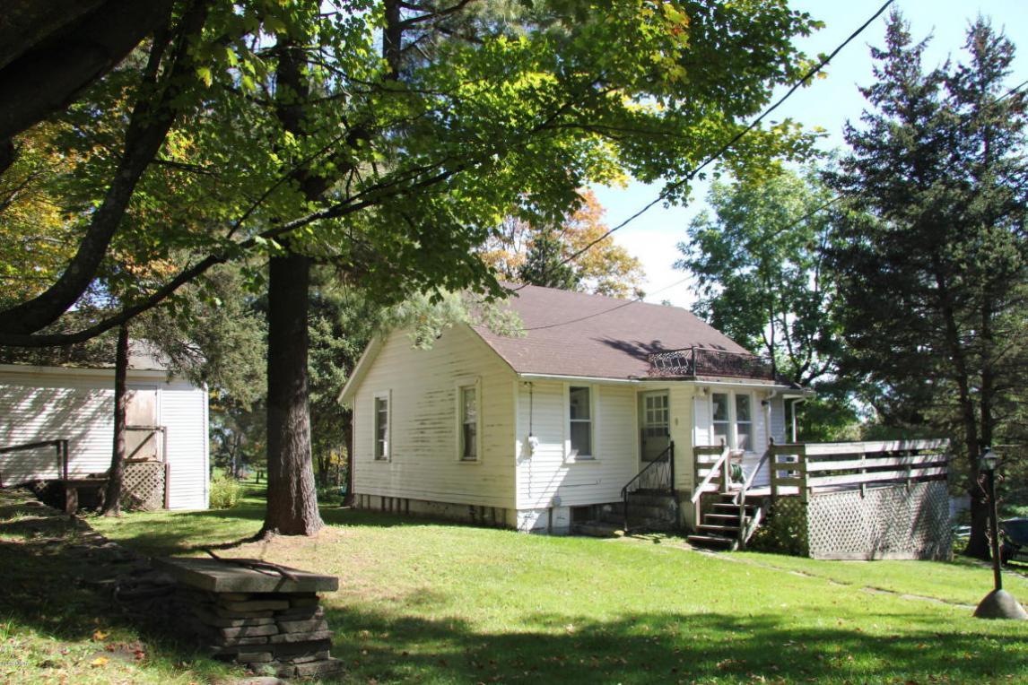 364 Spruce Lake Rd, Thompson, PA 18465
