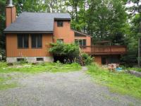 155 Covered Bridge Dr, Hawley, PA 18428