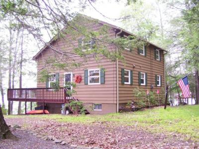 Photo of 56 S Shore Dr, Lake Ariel, PA 18436