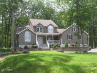 127 Lower Lakeview Dr, Hawley, PA 18428
