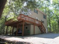 136 Bridle Rd, Lackawaxen, PA 18435