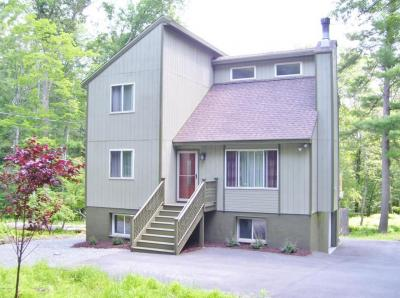 Photo of 274 Tink Wig Dr, Hawley, PA 18428
