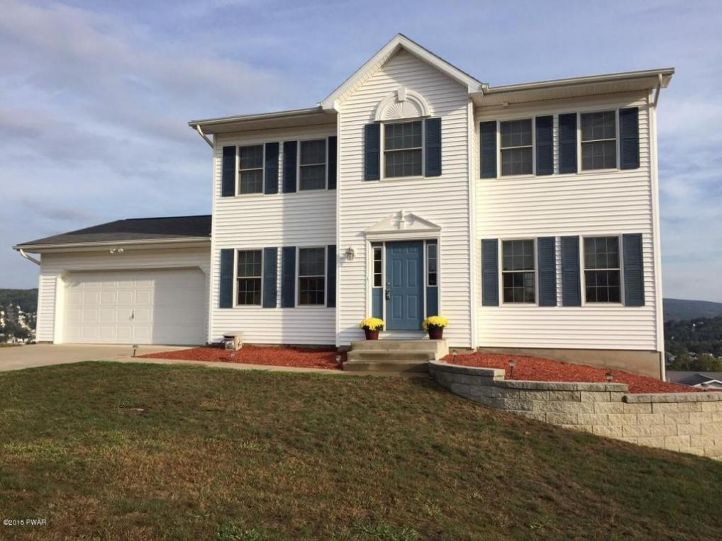106 Commons Dr, Olyphant, PA 18447