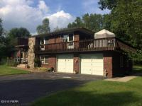 56 Rocky View Dr, Hawley, PA 18428